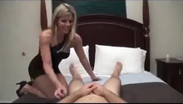 Mom Son Fucking on bed